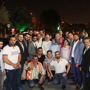 Bakan Kaya, seçim çalışmalarını Zeytinburnu'nda sürdürdü.