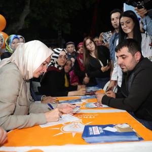 Bakan Kaya, 24 Haziran seçimleri öncesi çalışmalarını Gaziosmanpaşa, Fatih ve Beşiktaş'ta sürdürdü