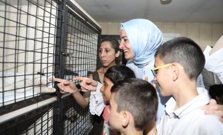 Bakan Kaya, Kağıthane Belediyesi'nin Hayvan Rehabilitasyon ve Aşı Merkezini ve Darülaceze'yi ziyaret etti
