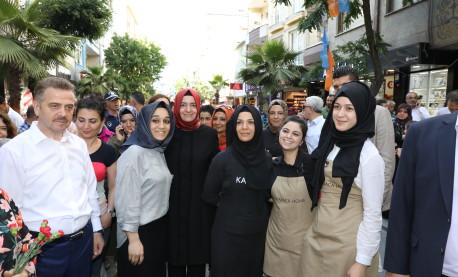 Bakan Kaya, seçim çalışmalarına Gaziosmanpaşa'da devam etti
