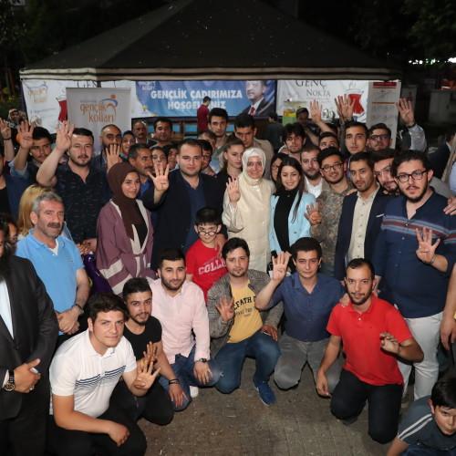 Bakan Kaya, seçim çalışmalarını Kağıthane'de sürdürdü.